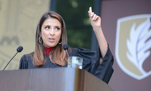 Maity Interiano '07 delivers Commencement address